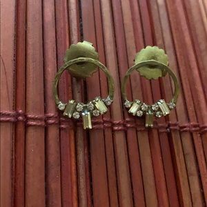 Small gold earrings - Anthropology